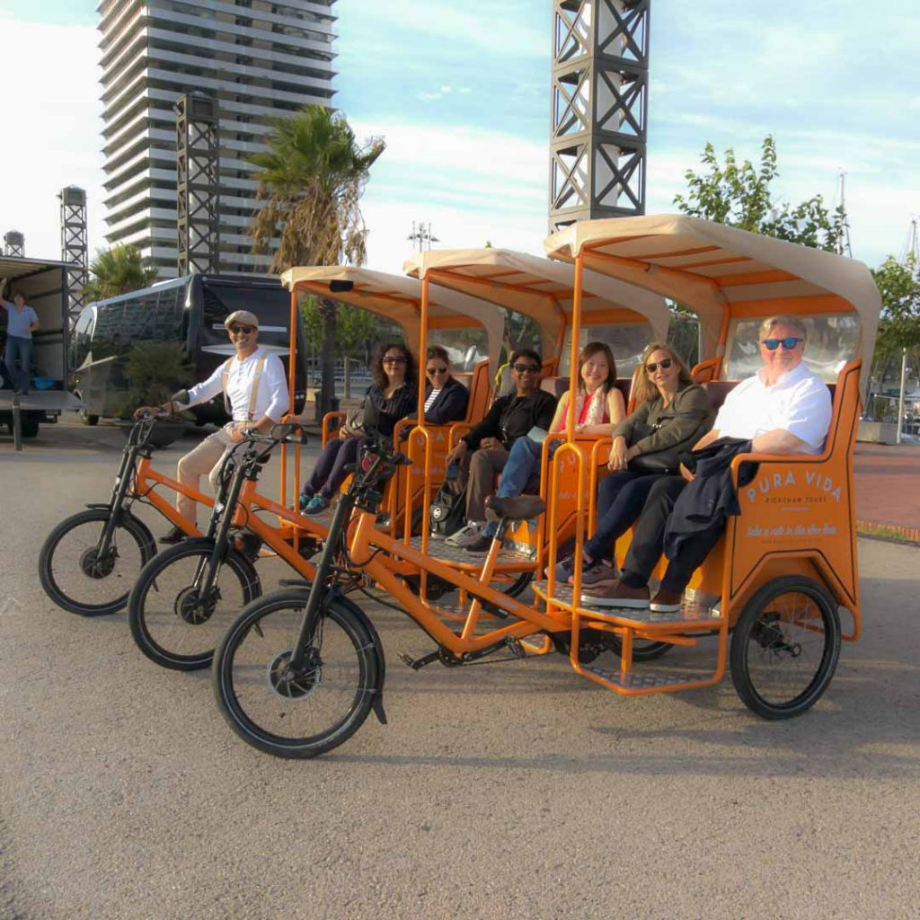 Group transfer with rickshaw in Barcelona